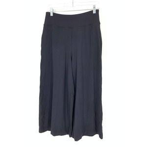 Lululemon Approx Size 6 Wide Leg Crop Pants Black